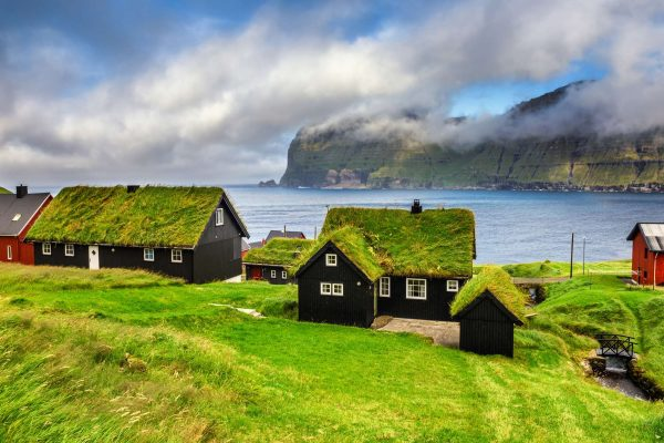 Faroe Islands, independence or maintain the status quo with Denmark?